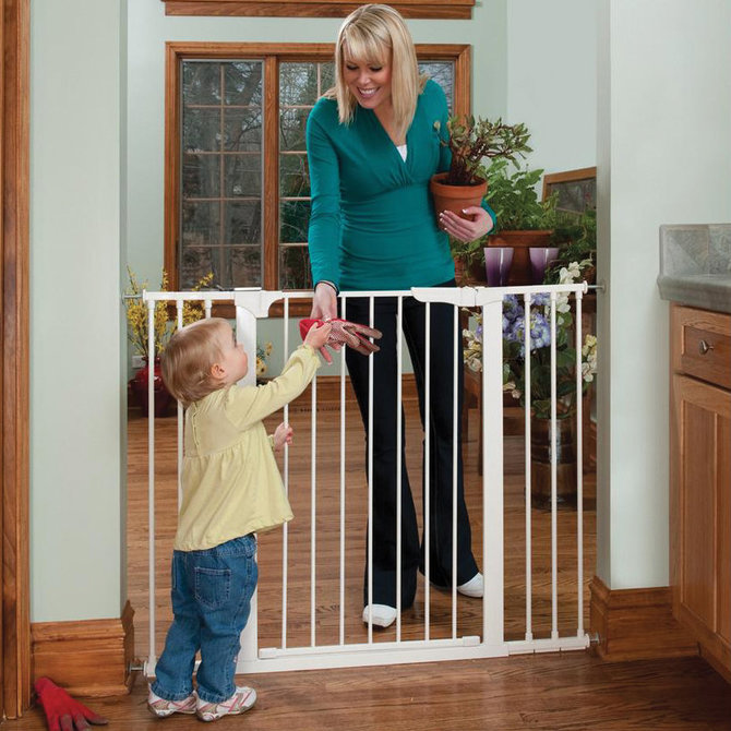 Kidco Extra Tall And Wide Auto Close Gateway Pressure Mount Pet Gate