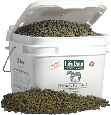Farrier's Formula Regular Strength, 11 lb pail