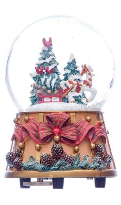 2016 Holiday Traditions Musical Snow Globe